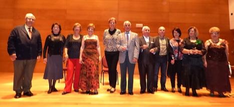 """Dioni el """"Mucerteño"""" gana el II Concurso de Copla y Flamenco de Torreviejainchando sobre la foto"""