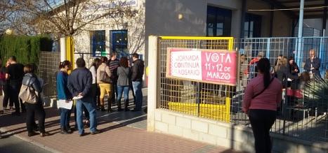 Desde primera hora acudieron a votar