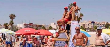 Socorristas en la playa