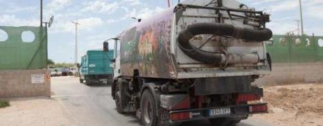 Camión de recogida de basura en Torrevieja