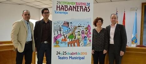 Luis María Pizana y componentes del Patronato de habaneras