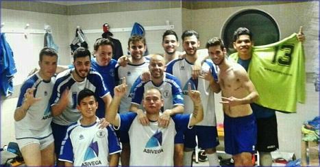 Equipo Senior del Torrevieja F. S. tras una victoria