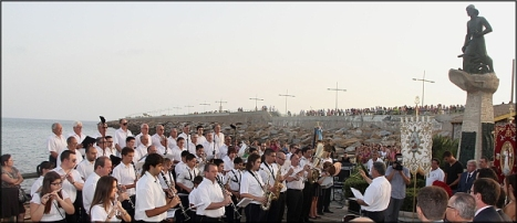 07-07-12-ofrenda-hombre-del-mar-103