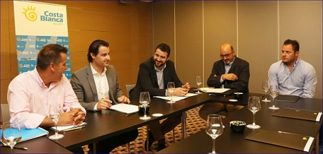 Reunión del diputado provincial de turismo con representantes de campos de golf