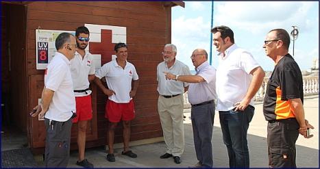 Visita a uno de los puestos de socorro situados en la Playa de los Náufragos