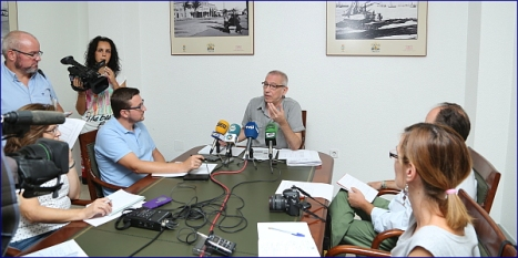 José Hurtado en rueda de prensa (J.Carrión)