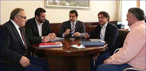 El secretario autonómico, Francisc Colomer con el Diputado de Turismo, Eduardo Dolón