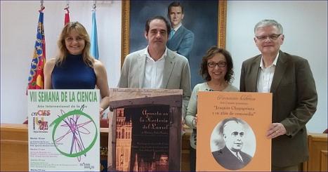 Miembros de Ars Creatio con el concejal de cultura, Alejandro Blanco