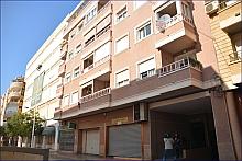 Inmueble de Ramón Gallud, 141, en cuya 4ª planta se encontraron los cadáveres