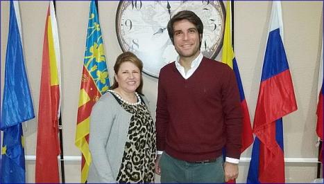 La presidenta de Asila, Mª Nubia Salazar y el abogado Juan Chapapría