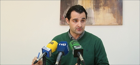 Eduardo DOlón, portavoz del Grupo Municipal Popuilar de Torrevieja (Foto: J. Carrión)