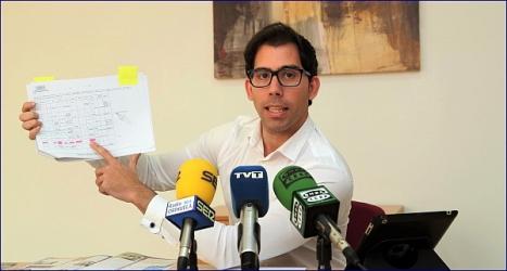 Luis María Pizana, ayer en la rueda de prensa (Foto. J. Carrión)