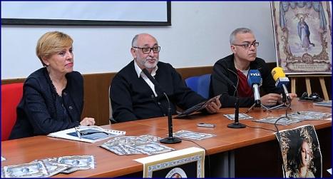 Encarnita Brotons, el consiliario, Manuel Martínez y Víctor García (Foto: J. Carrión)