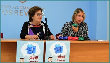 La voncejal de comercio, Manuel Osuna y la de Protección Animal, Carmen Morate (Foto: Joaquin Carrión)