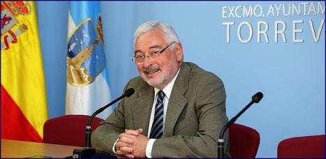 José Manuel Dolón, ayer en rueda de prensa (Foto: J. Carrión)