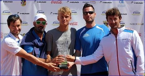 Nicola Kuhn campeon en villena con JC Ferrero