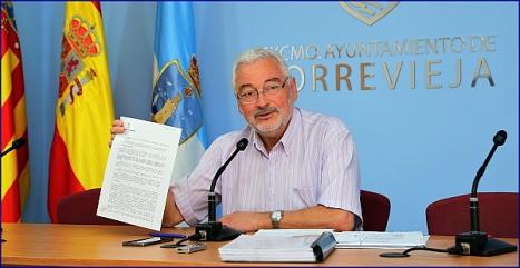 José M. Dolón ayer en rueda de prensa (Foto: J. Carrión)