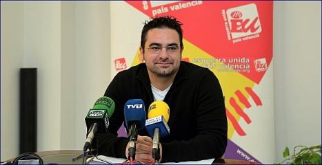Víctor Ferrández, en la comparecencia de ayer (Foto: J. Carrión)