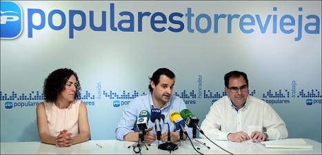Rosario Martínez, Eduardo Dolón y Joaquín Albaladejo, en la rueda de prensa (Foto: J. Carrión)