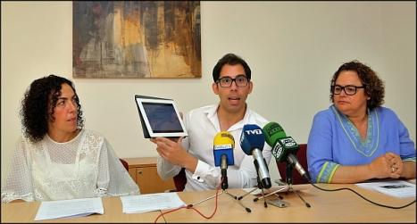 Martínez, Pizana y Gómez, ayer en ruda de prensa (Foto: J. Carrión)