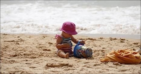 child-playing-1005898_960_720