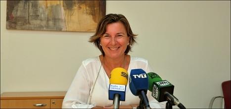 Agustina Esteve, en rueda de prensa, ayer (Foto. J. Carriión)