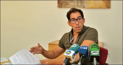 Luis Mª Pizana - PP, ayer en rueda de prensa (Foto: J. Carrión)