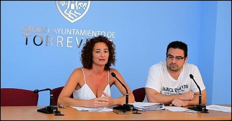 Fanny Serrano (PSOE) y Víctor Ferrández (IU). ayer en rueda de prensa (Foto: J. Carrión)