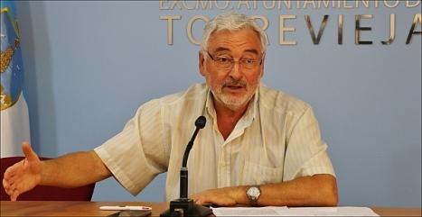 El alcalde ayer en rueda de prensa (Foto: Prensa Ayuntamiento)