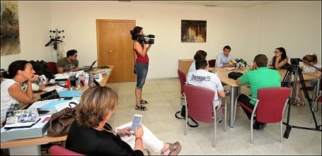 Aspecto de la Sala en el momento de la rueda de prensa de Eduardo Dolón (Foto: J. Carrión)