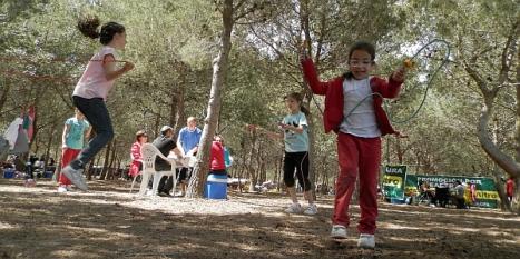 Tras la Semana Santa, el Día de San Vicente los torrevejenses van al campo a disfrutar de la naturaleza