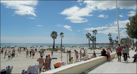 Playa de Los Náufragos (Torrevieja) - Foto Archivo