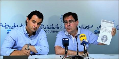 Eduardo Dolón y Joaquín Alabaladejo, ayer en la rueda de prensa (Foto: J. Carrión)