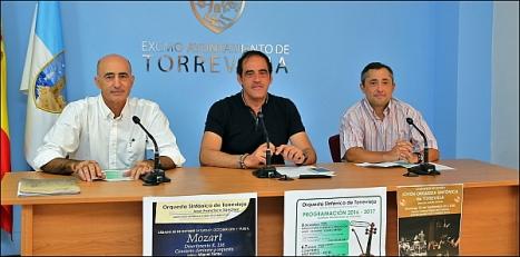 Pelayo Mellado, presidete de Ars Aetheria; Alejandro Blanco, concejal de cultura y José Sánchez director de la OST
