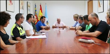 Reunión entre el alcalde, los feriantes y los técnicos municipales (prensa Ayuntamiento)