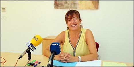 Sanddrá Sánchez (PP), en rueda de prensa ayer (Foto: J. Carrión)
