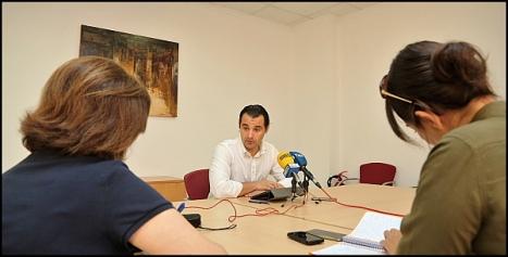 Eduardo Dolón en la rueda de prensa que ofreció ayer (Foto: J. Carrión)