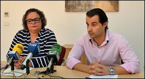 Eduardo Dolón y carmen Gómez, durante la rueda de prensa de ayer (Foto: J. Carrrión)I