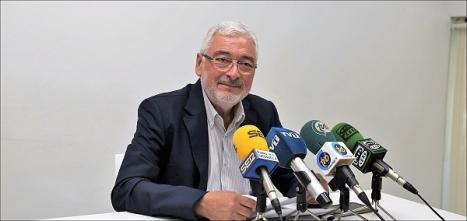 José manuel Dolón, ayer una rueda de prensa en el CdT de Torrevieja (Foto: J. Carrión)