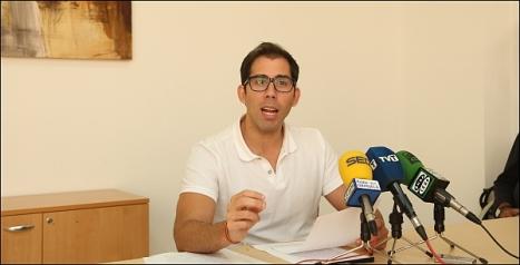 Luis María Pizana ayer en la rueda de prensa (Foto: J. Carrión)
