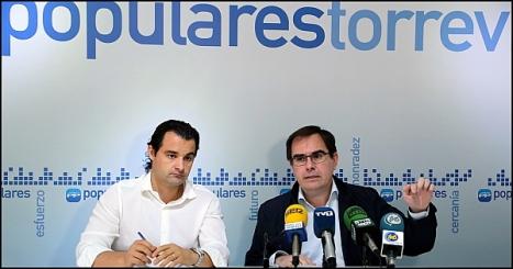 Albaladejo y Dolón en la rueda de prensa, ofrecida ayer (Foto: J. Carrión)