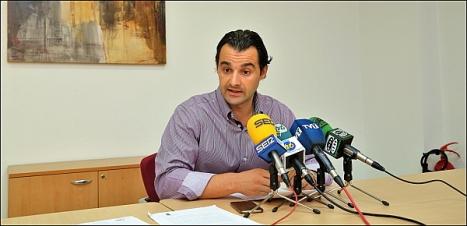 Eduardo Dolón (OO), ayer en la rueda de prensa (Foto: J. Carrión)