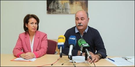 Inmaculada Montesinos y Tomás Ballester, ayer en la rueda de prensa (Foto: J. Carrión)