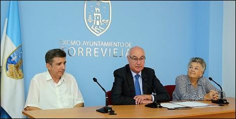 Momento de la ruedda de prensa de presentación ayer (Foto: J. Carrión)