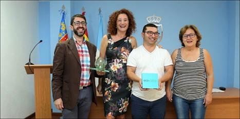 Momento de recibir los premios por reciclaje de vidrio (Foto: J. Carrión)