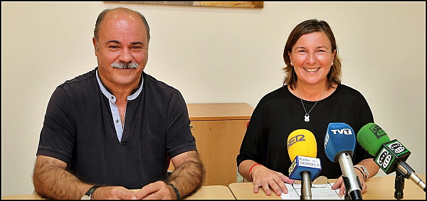 Agustina Esteve y Tomás Ballester, ayer en rueda de prensa (Foto: J. Carrión)