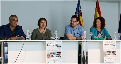 Mesa de los participantes en las Jornadas