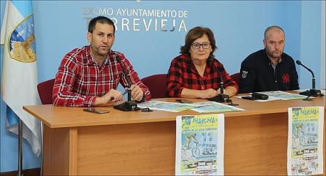 Manuela OSuna y representantes de Apymeco y Mtb Chatarras, ayer en rueda de prensa (Foto: J. Carrión)