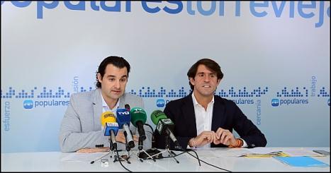Dolón y Navarro, ayer en la rueda de prensa (Foto: J. Carrión)