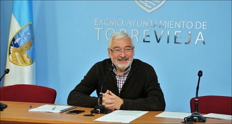 José Manuel Dolón (LV), alcalde de Torrevieja (Foto: J. Carrión)